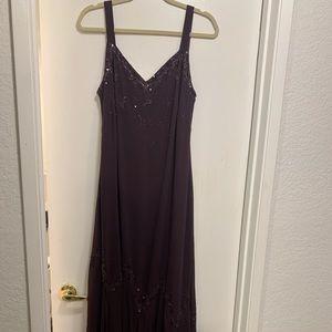 Xscape 16W plum floor length dress